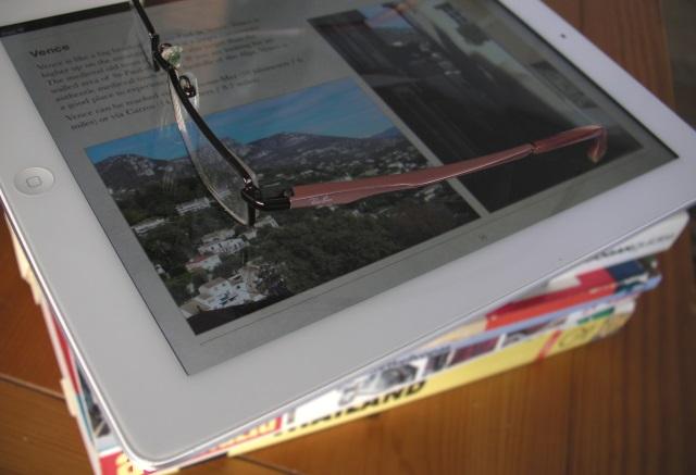 Apple iPad, e-kirja ja kirjoja