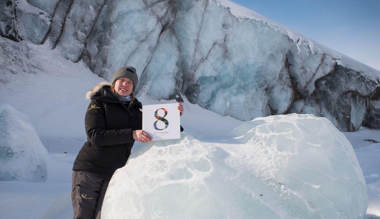 8 Arctic Seasons kirja, kuvassa Liisa Kokkarinen