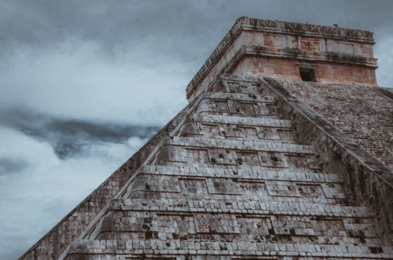 Maya pyramidi. Kuva Jezael Melgoza, Unslpash