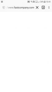 Qwant-selainohjelma puhelimessa ja Fast Co verkkosivu