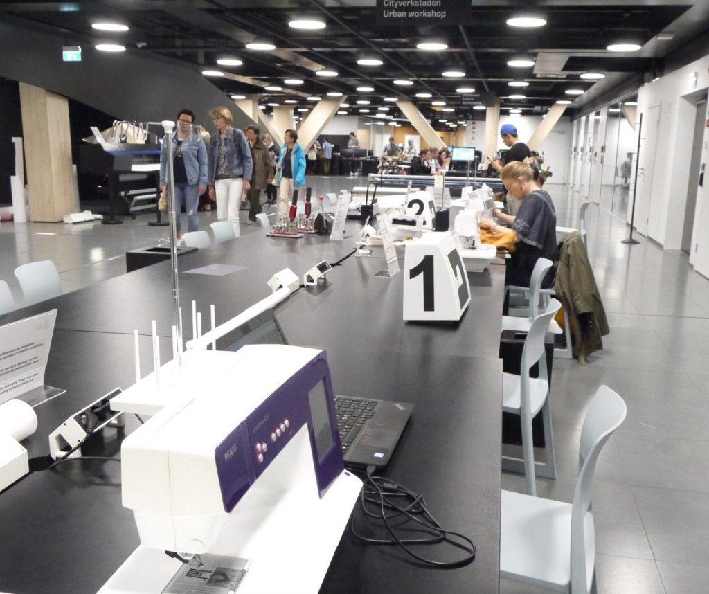 oodi-kirjaston työtiloja, ompelukoneita, 3D-tulostimia