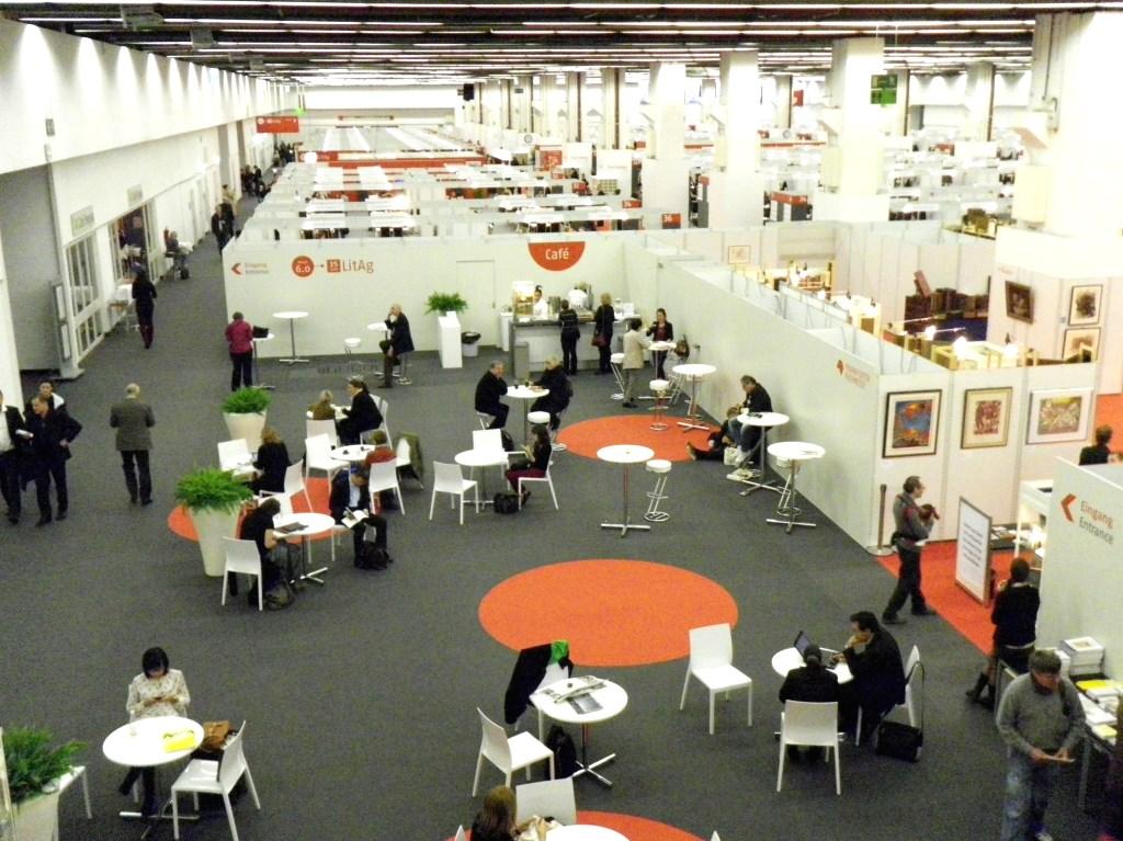 frankfurt kirjamessut: agenttien neuvotteluhalli