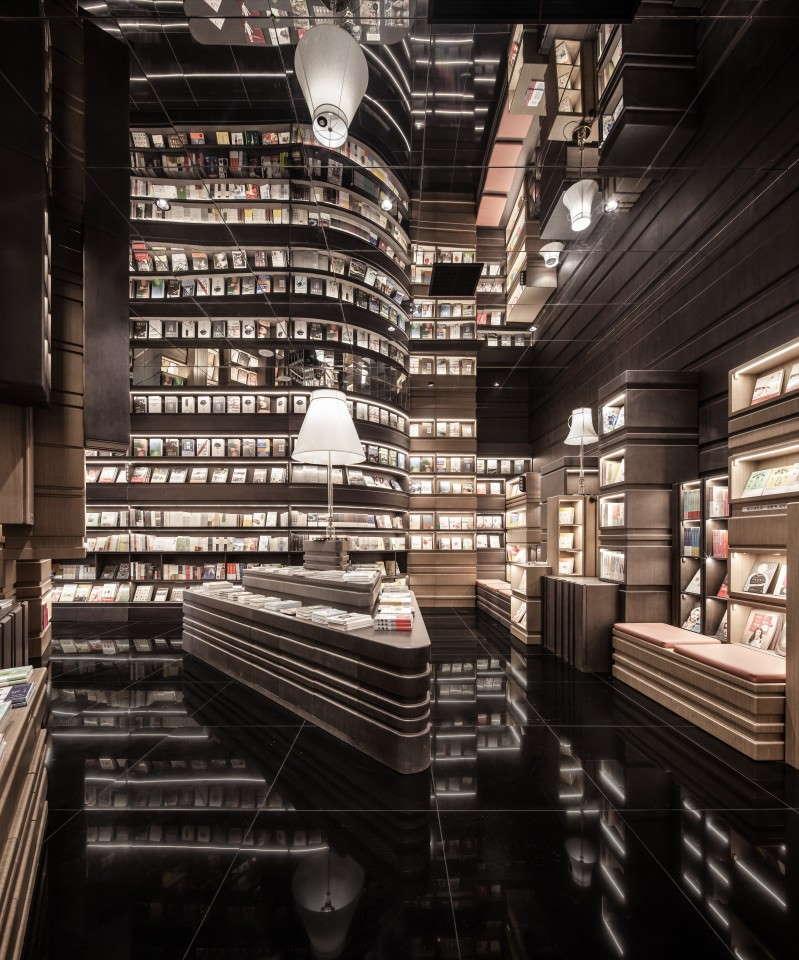 kuva x + living , kirjakauppa kiinan ningbossa
