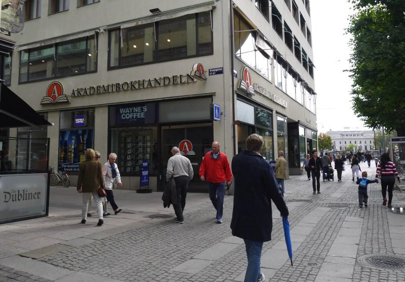 kirjakauppa akademibokhandeln göteborgissa